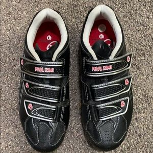 Pearl iZumi mountain biking shoes
